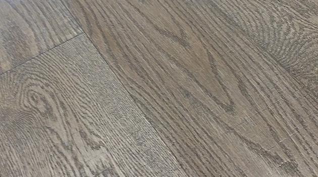 Podłoga z drewna – czym ją pielęgnować?